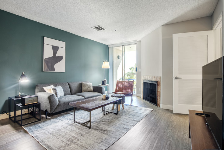 1 bedroom furnished apartment in Media Towers I, 1660 N Wilton Pl 181, Hollywood, Los Angeles, photo 1