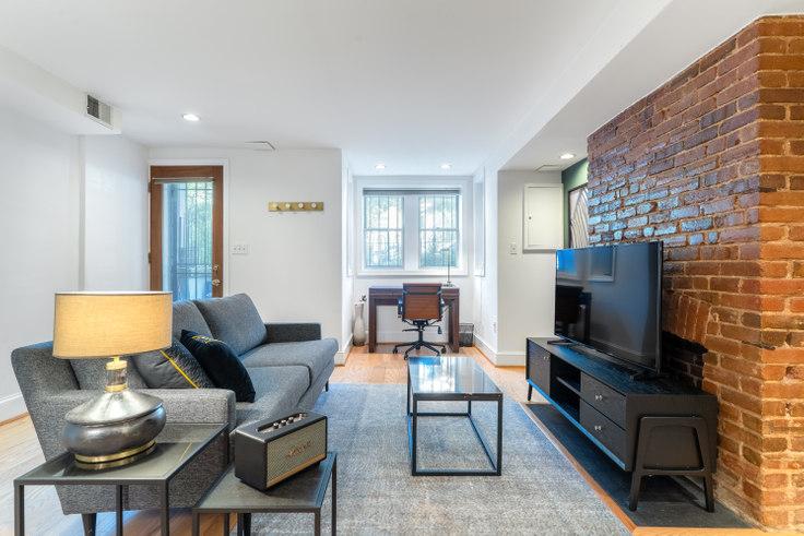 1 bedroom furnished apartment in 1522 12th Street NW 114, Logan Circle, Washington D.C., photo 1