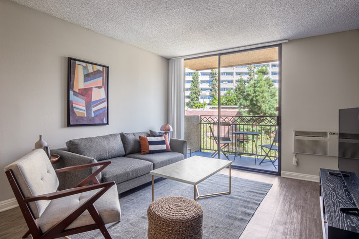 1 bedroom furnished apartment in Ariel Court, 535 Gayley Ave 191, Westwood, Los Angeles, photo 1