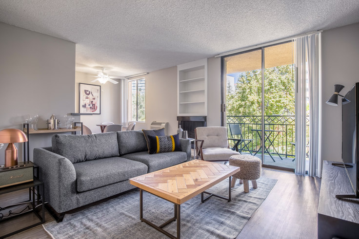 1 bedroom furnished apartment in Ariel Court, 535 Gayley Ave 192, Westwood, Los Angeles, photo 1