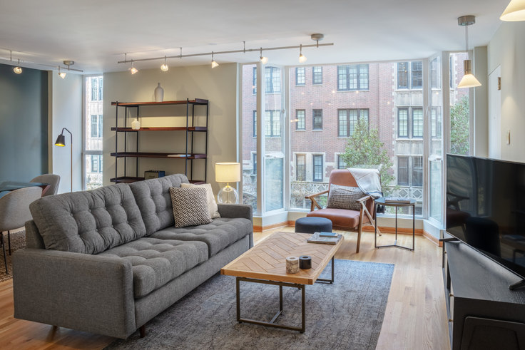 2 bedroom furnished apartment in 227 E Walton Pl 174, Streeterville, Chicago, photo 1