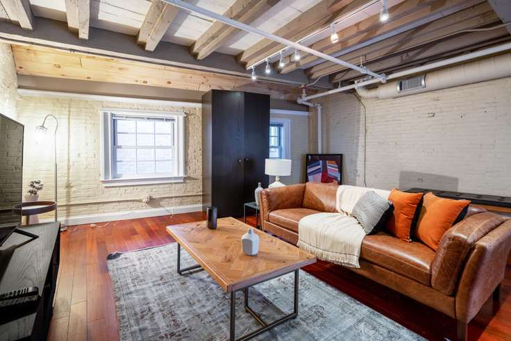 1 bedroom furnished apartment in 15 Union St 214, Downtown/Financial District, Boston, photo 1