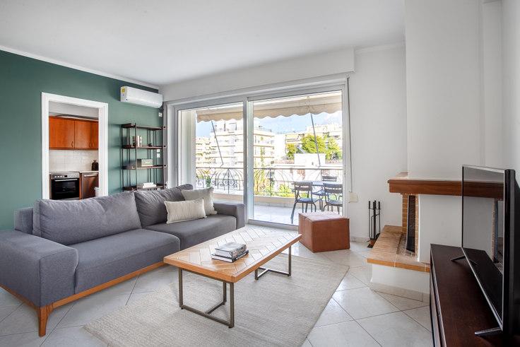 2 bedroom furnished apartment in Aristidou II 822, Palaio Faliro, Athens, photo 1
