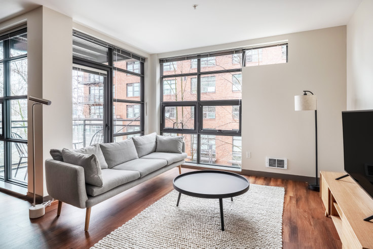 1 bedroom furnished apartment in Equinox , 1524 Eastlake Avenue East 6, East Lake, Seattle, photo 1