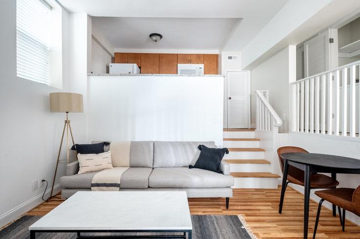 1 bedroom furnished apartment in Villa di Leonardo, 1826 Vernon St NW 179, Dupont Circle, Washington D.C., photo 1