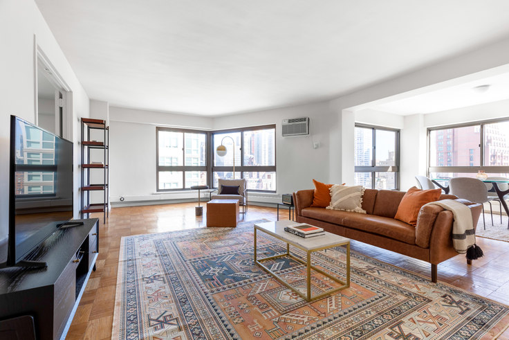 2 bedroom furnished apartment in 300 E 51st St 440, Midtown East, New York, photo 1