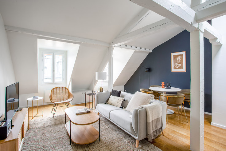 1 bedroom furnished apartment in Rue Bonaparte 8, Saint-Germain-des-Prés, Paris, photo 1