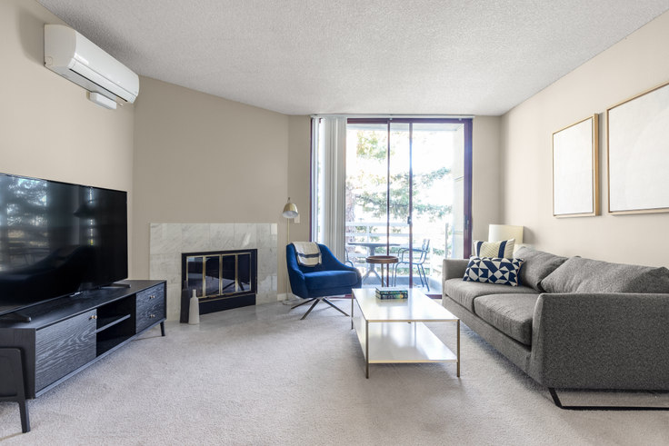 2 bedroom furnished apartment in Cupertino City Center, 20350 Stevens Creek Blvd 310, Cupertino, San Francisco Bay Area, photo 1