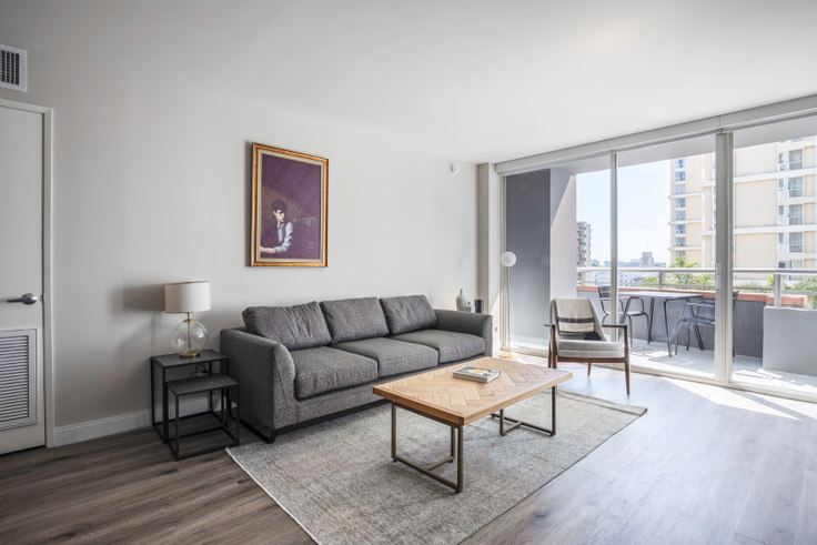 1 bedroom furnished apartment in Museum Tower, 225 S Olive St 284, Downtown, Los Angeles, photo 1