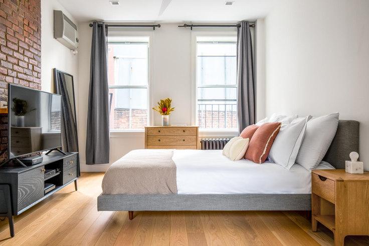 Studio furnished apartment in 80 Thompson St 477, SoHo, New York, photo 1