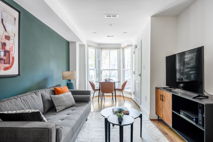 1 bedroom furnished apartment in 1823 S St NW 211, Dupont Circle, Washington D.C., photo 1