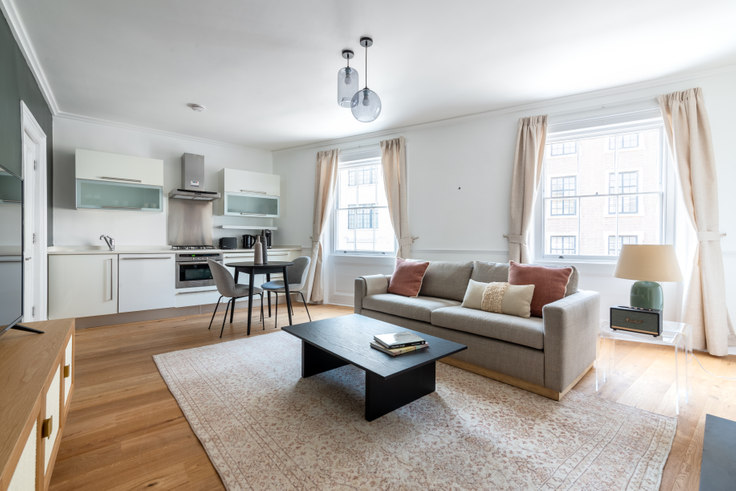 1 bedroom furnished apartment in Wellington Street 22, Covent Garden, London, photo 1