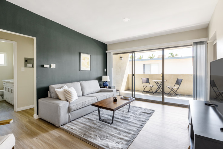 1 bedroom furnished apartment in 3537 Clarington Ave 313, Culver City, Los Angeles, photo 1