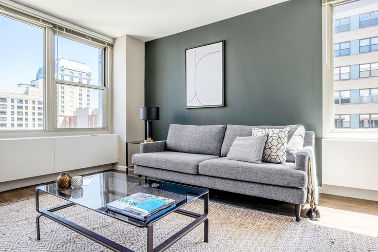 2 bedroom furnished apartment in Gold Coast City Club, 860 N Dewitt Pl 314, Gold Coast, Chicago, photo 1