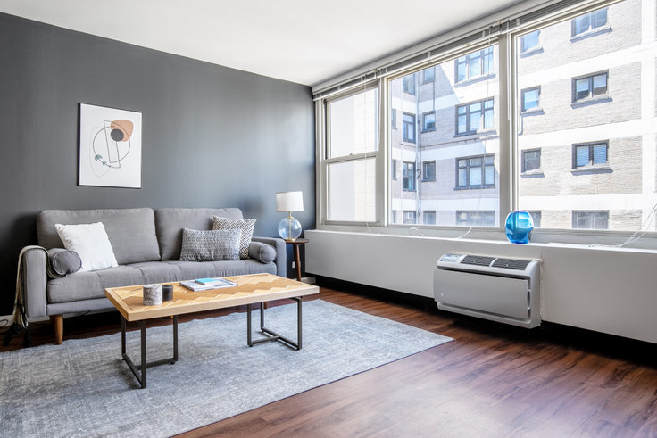 1 bedroom furnished apartment in Gold Coast City Club, 860 N Dewitt Pl 317, Gold Coast, Chicago, photo 1