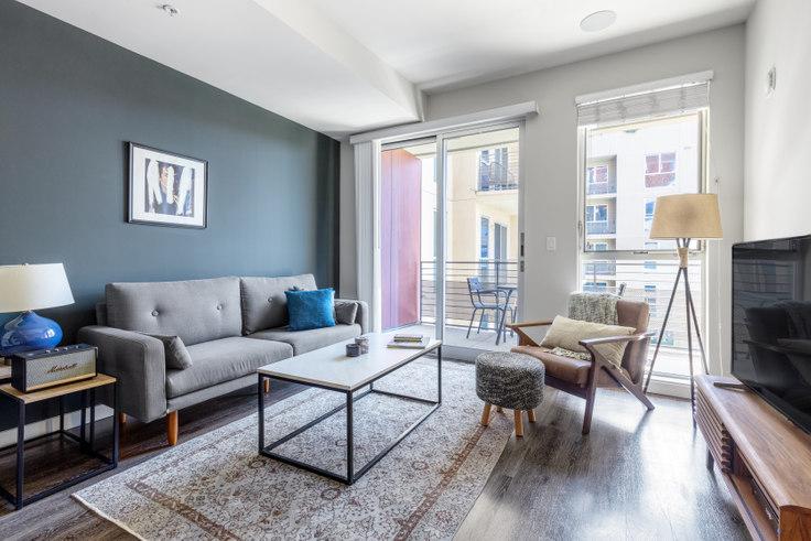 1 bedroom furnished apartment in Radius, 680 S Berendo St 322, Koreatown, Los Angeles, photo 1