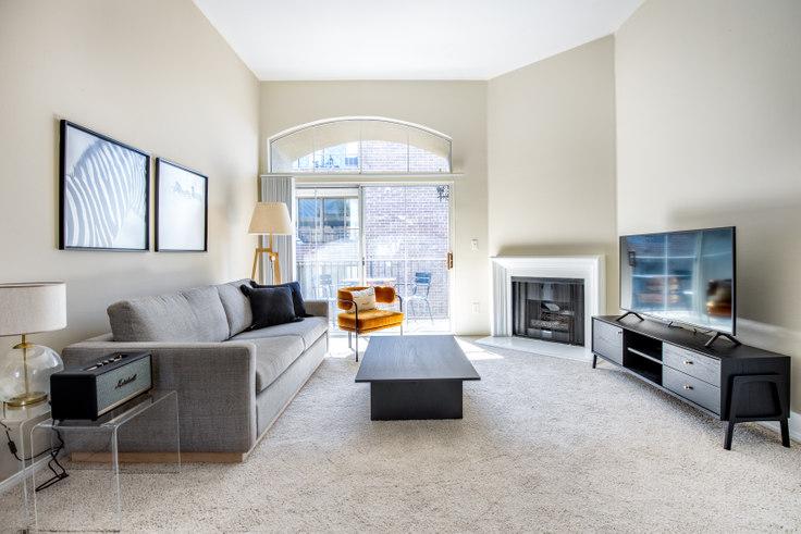 2 bedroom furnished apartment in Westside Villas, 2245 S Beverly Glen Blvd 334, Century City, Los Angeles, photo 1