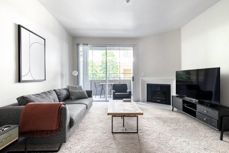 2 bedroom furnished apartment in Westside Villas, 2245 S Beverly Glen Blvd 336, Century City, Los Angeles, photo 1