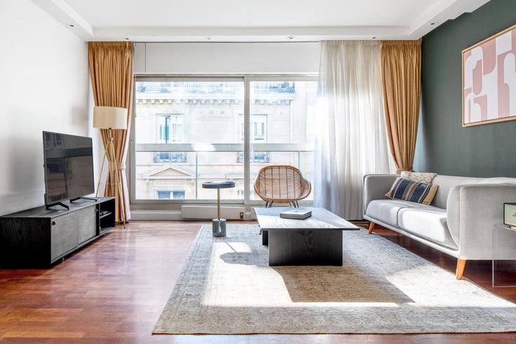 1 bedroom furnished apartment in Rue de Berri 31, Champs-Élysées, Paris, photo 1