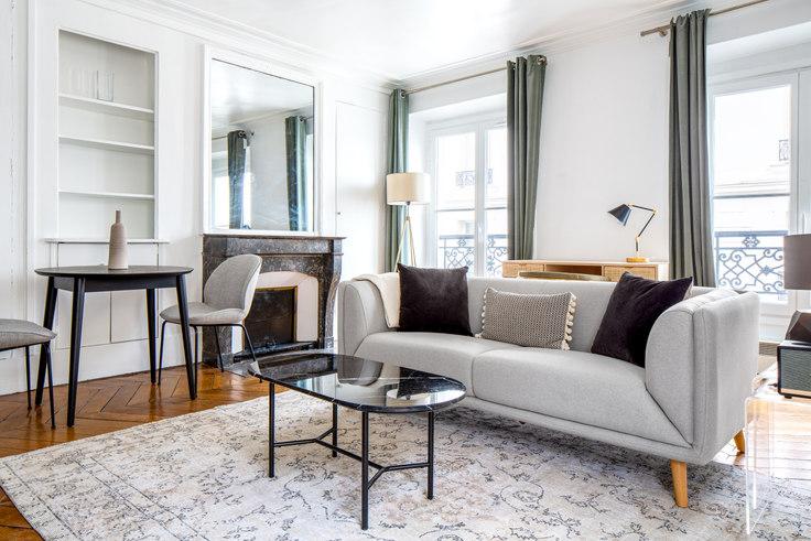 1 bedroom furnished apartment in Rue de Bourgogne 34, Invalides, Paris, photo 1
