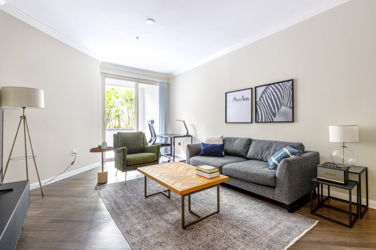 1 bedroom furnished apartment in Avalon Wilshire, 5115 Wilshire Blvd 337, Mid-Wilshire, Los Angeles, photo 1
