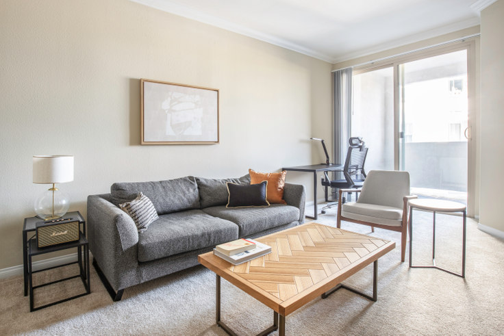 1 bedroom furnished apartment in Avalon Wilshire, 5115 Wilshire Blvd 338, Mid-Wilshire, Los Angeles, photo 1