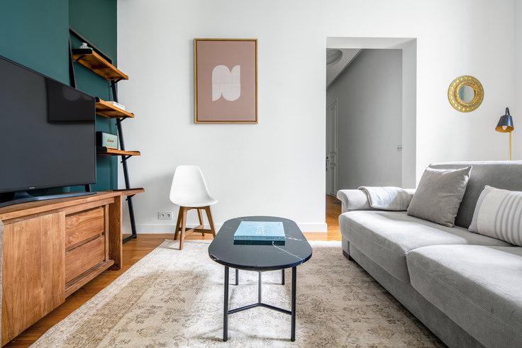 1 bedroom furnished apartment in Rue Robert Estienne 36, Champs-Élysées, Paris, photo 1