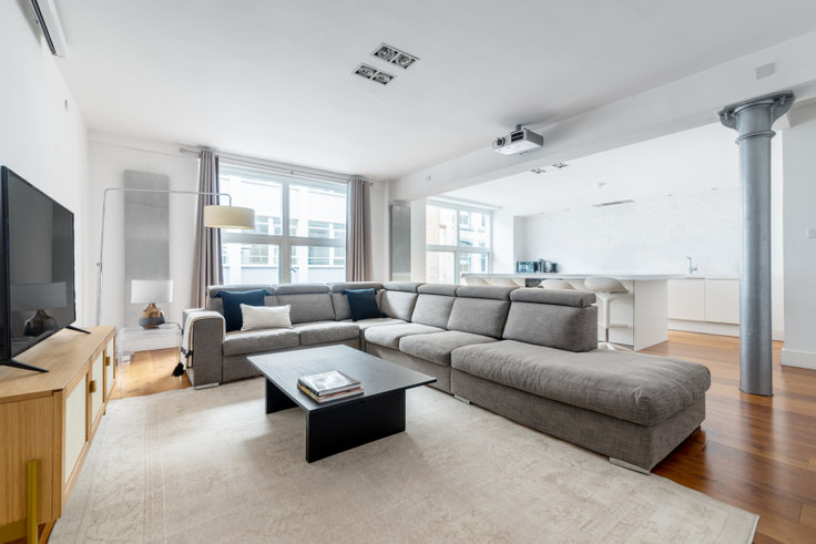 2 bedroom furnished apartment in Northburgh St 32, Clerkenwell, London, photo 1