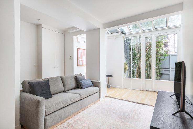 2 bedroom furnished apartment in Rue d'Assas 40, Saint-Germain-des-Prés, Paris, photo 1