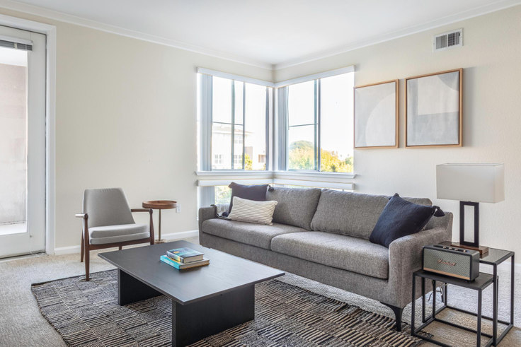 1 bedroom furnished apartment in Metropolitan Apartments 2, 388 S Fremont St 388, San Mateo, San Francisco Bay Area, photo 1