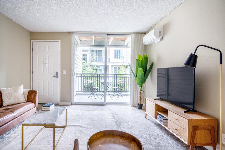 1 bedroom furnished apartment in Park Central Apartments, 1050 Benton St 390, Santa Clara, San Francisco Bay Area, photo 1