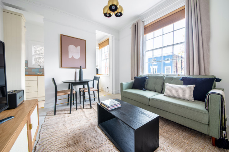 1 bedroom furnished apartment in Monmouth Rd 34, Bayswater, London, photo 1