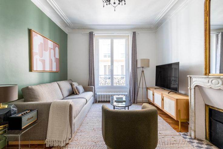 2 bedroom furnished apartment in Rue de l'Arc de Triomphe 42, Arc de Triomphe, Paris, photo 1