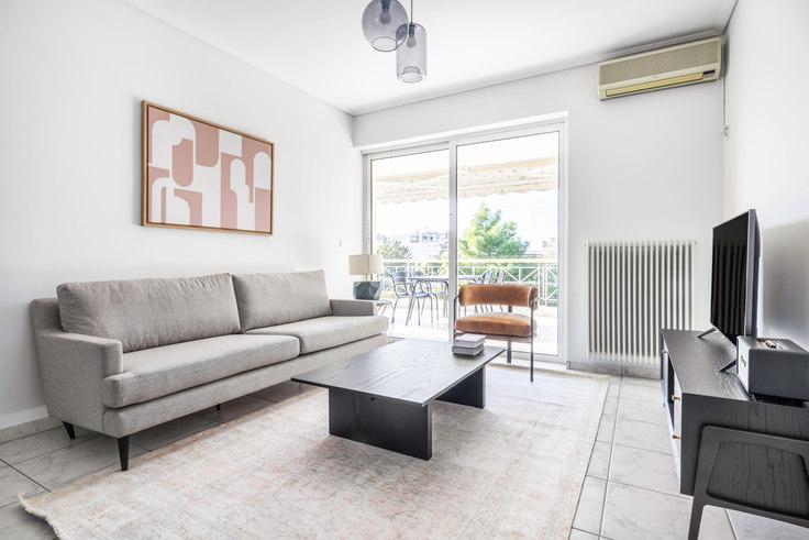 2 bedroom furnished apartment in Saki Karagiorga VI 934, Glyfada, Athens, photo 1