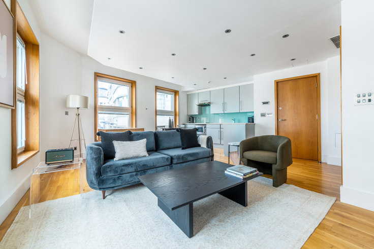 Studio furnished apartment in Haymarket 36, Piccadilly, London, photo 1