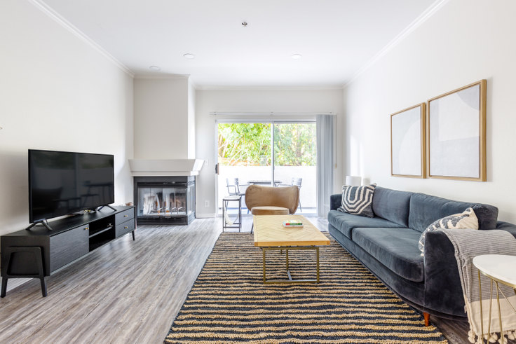 2 bedroom furnished apartment in 16070 Sunset Blvd 361, Pacific Palisades, Los Angeles, photo 1