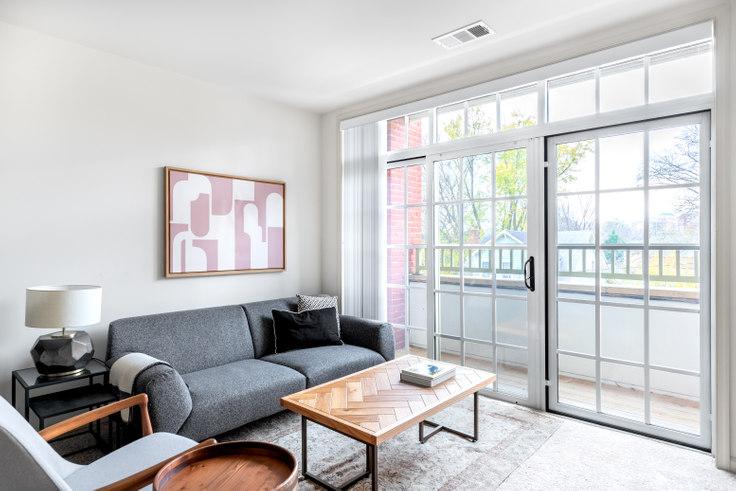 1 bedroom furnished apartment in Garfield Park, 925 N Garfield St 233, Clarendon, Washington D.C., photo 1