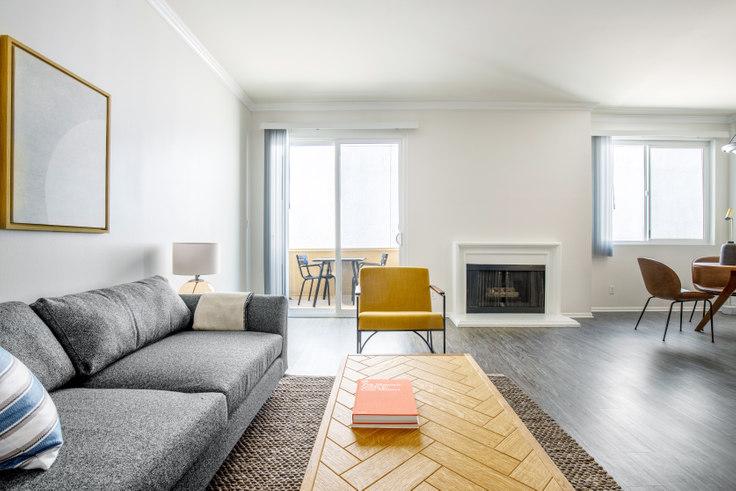 1 bedroom furnished apartment in Beverly Arnaz, 467 Arnaz Dr 364, Beverly Hills, Los Angeles, photo 1
