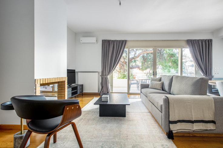 2 bedroom furnished apartment in Papanastasiou III 950, Neo Psychiko, Athens, photo 1