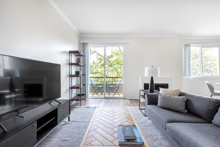 1 bedroom furnished apartment in Beverly Arnaz, 467 Arnaz Dr 366, Beverly Hills, Los Angeles, photo 1