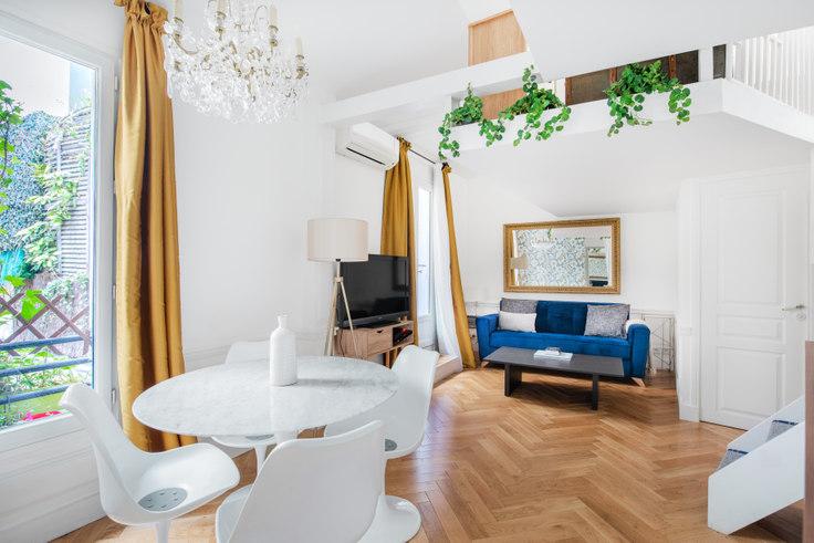 Studio furnished apartment in Rue Lamartine 50, Saint-Georges, Paris, photo 1