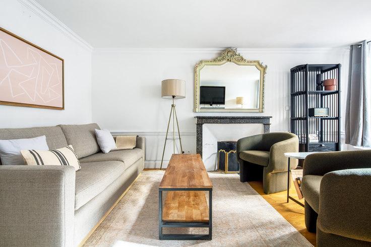1 bedroom furnished apartment in Rue Lamartine 51, Saint-Georges, Paris, photo 1