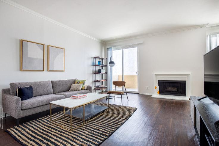 1 bedroom furnished apartment in Beverly Arnaz, 467 Arnaz Dr 368, Beverly Hills, Los Angeles, photo 1