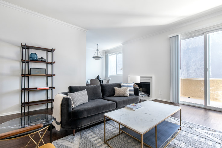 1 bedroom furnished apartment in Beverly Arnaz, 467 Arnaz D 369, Beverly Hills, Los Angeles, photo 1