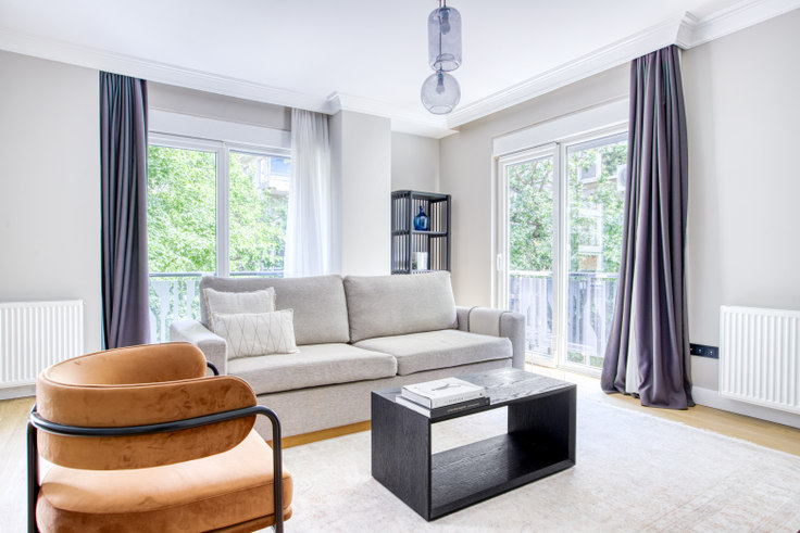 3 bedroom furnished apartment in Marmara Apartmanı - 599 599, Erenköy, Istanbul, photo 1