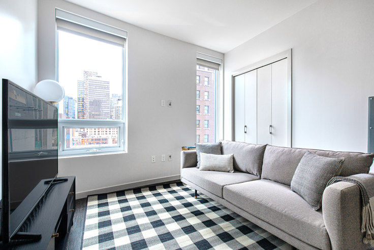 Studio furnished apartment in Tower 12, 2015 2nd Ave 73, Belltown, Seattle, photo 1