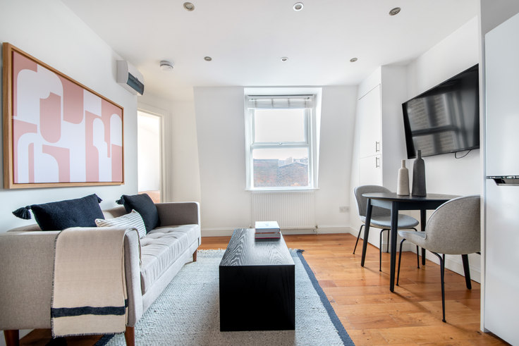 1 bedroom furnished apartment in Queensway 43, Bayswater, London, photo 1