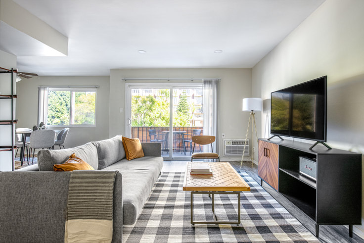 1 bedroom furnished apartment in 311 Doheny 380, Beverly Hills, Los Angeles, photo 1