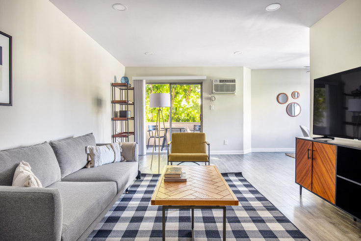 1 bedroom furnished apartment in 311 Doheny 381, Beverly Hills, Los Angeles, photo 1