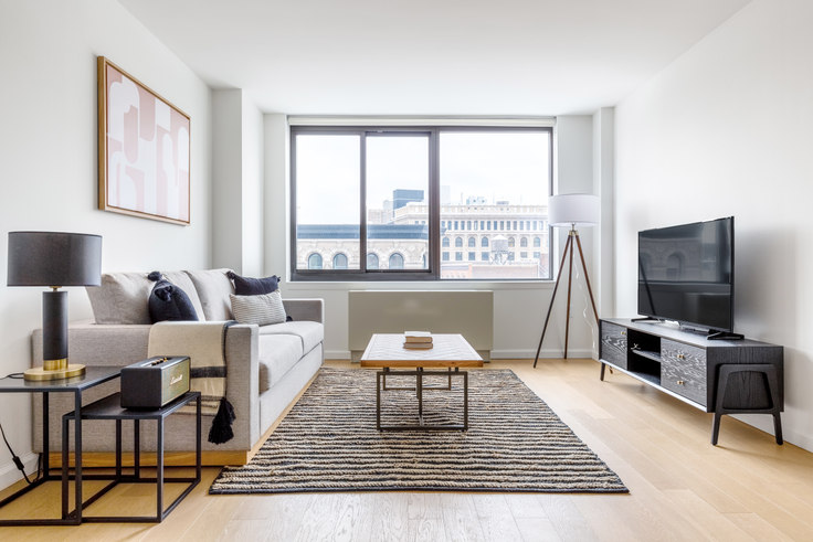 1 bedroom furnished apartment in 1 Union Sq S 550, Flatiron, New York, photo 1